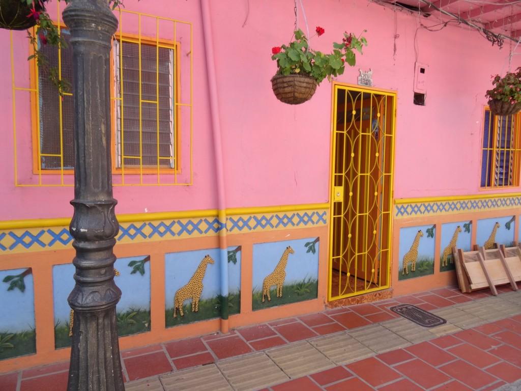 Maison colorée girafe Guatapé Antioquia Colombie
