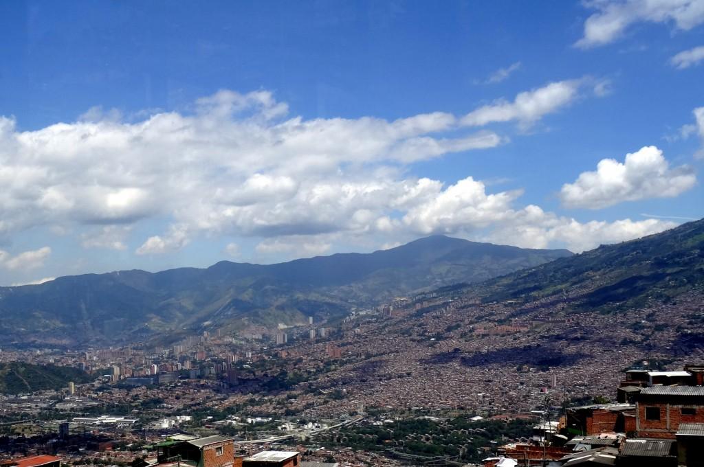 la ville et les collines de Medellin Antioquia Colombie