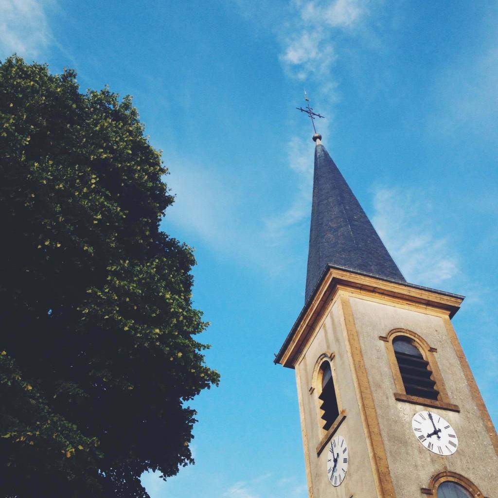 Clocher de l'église en Ardenne Belge