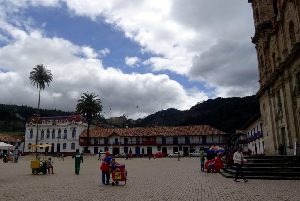Place centrale de Zipaquira en Colombie