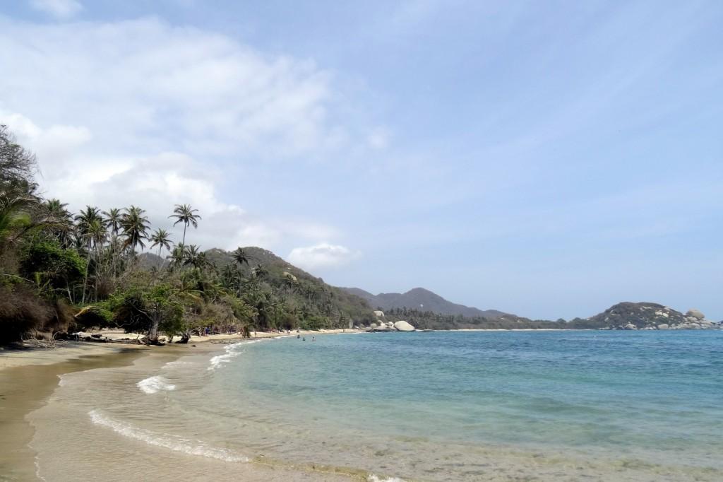 Plage et palmiers à Cabo San Juan Tayrona en Colombie