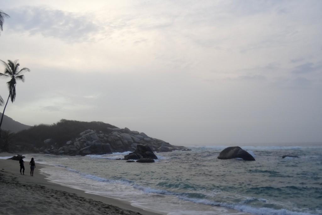 soirée à la plage de Cabo San Juan Tayrona en Colombie