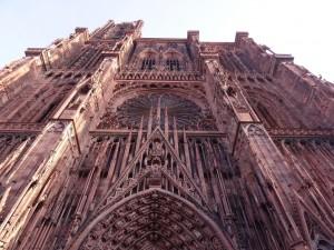 Détails de la porte centrale de la cathédrale Notre-Dame de Strasbourg