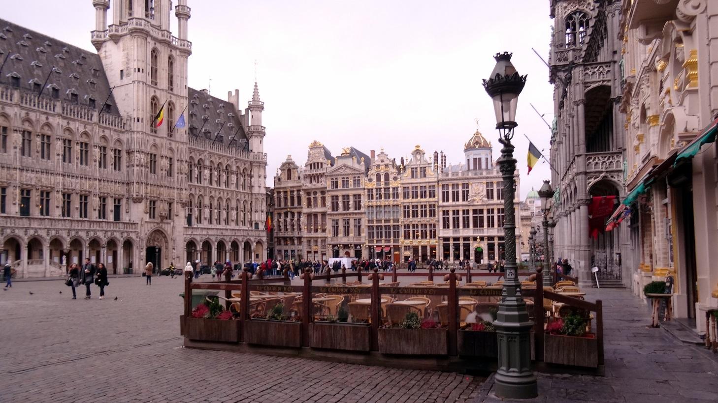 Ciel gris sur la Grand Place de Bruxelles
