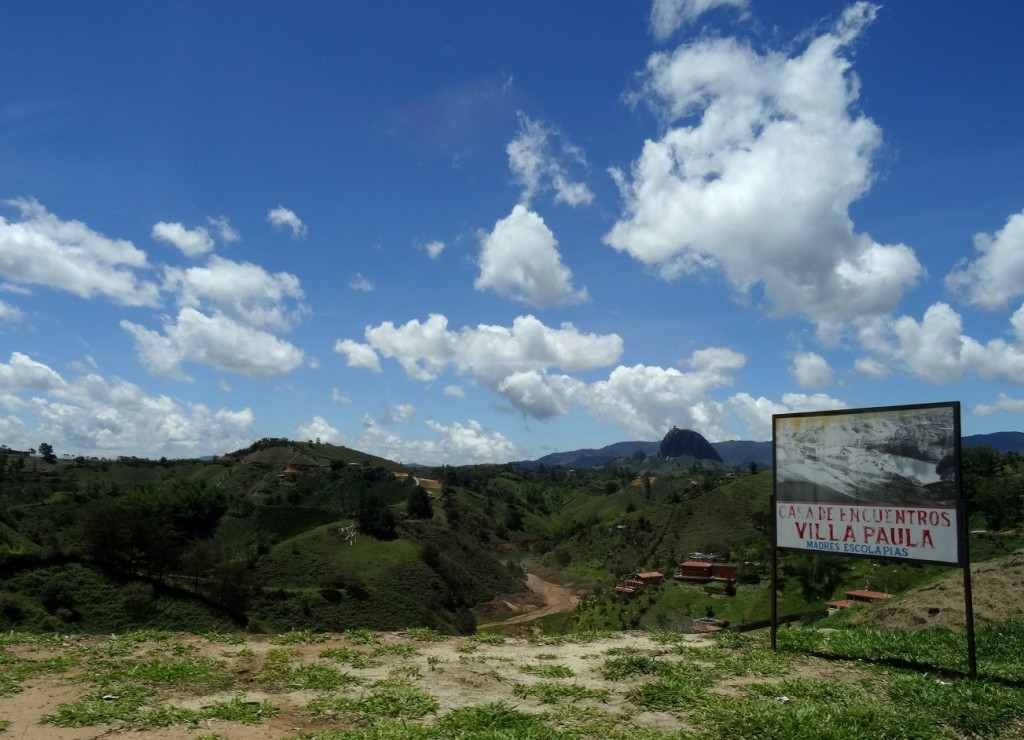 Trajet en car vers la piedra del Peñol de Guatapé