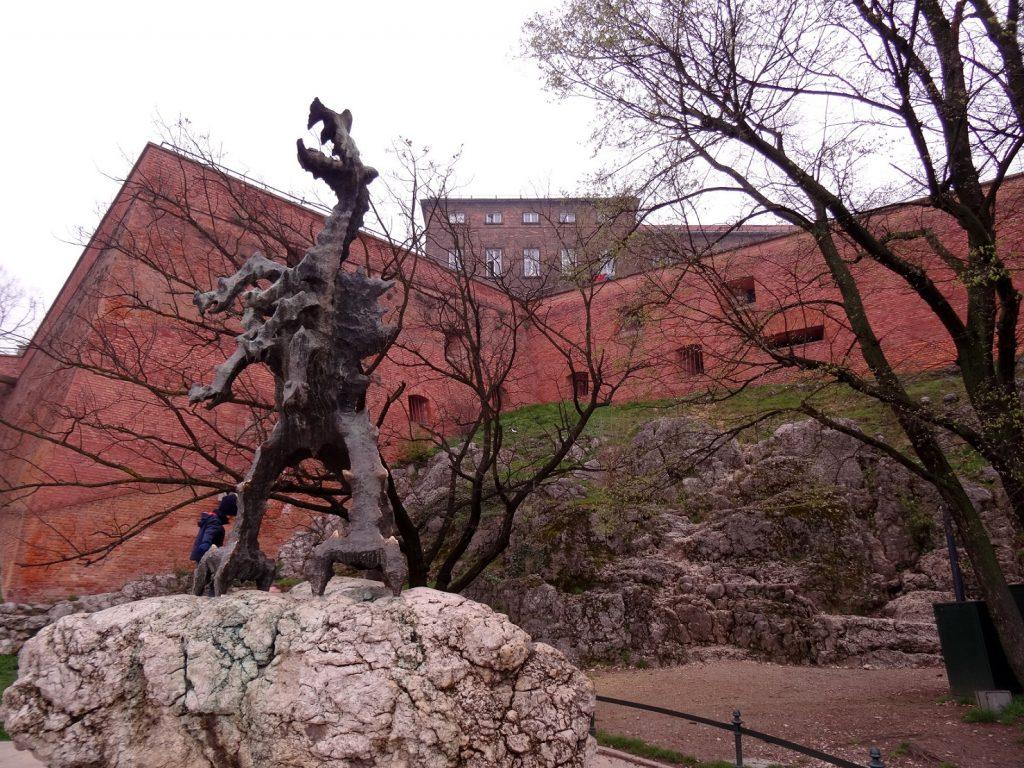 Dragon devant le château de Cracovie