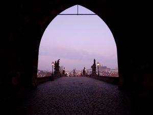 Pont Charles romantique à Prague