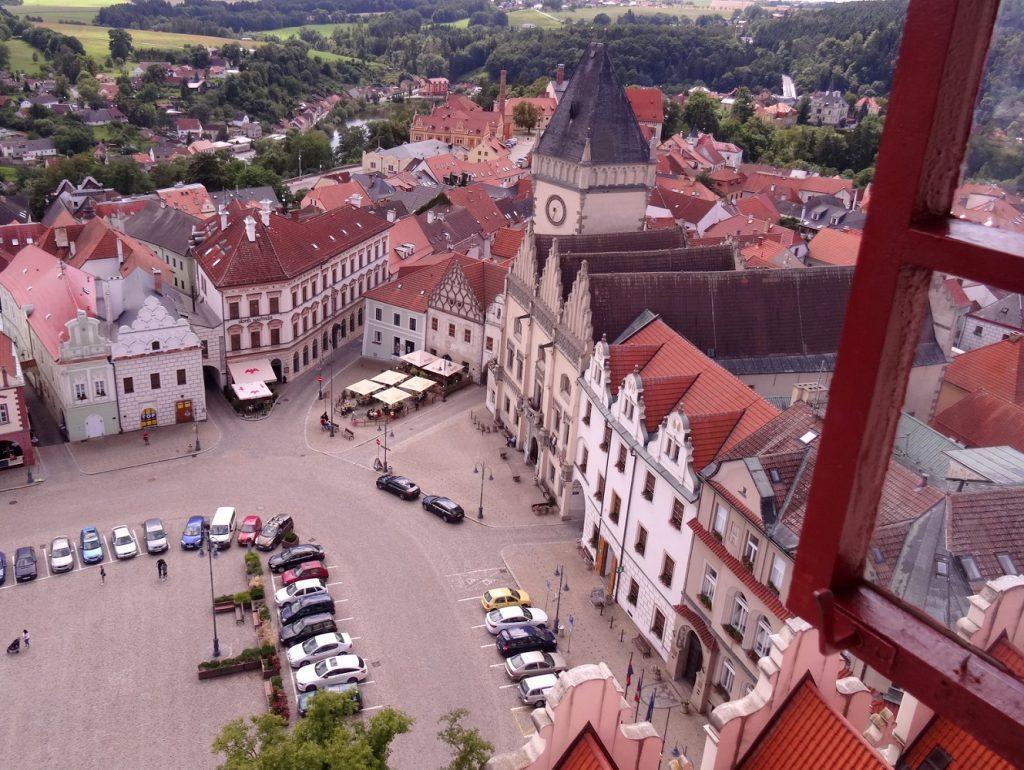 Vue sur la place de Tabor en République Tchèque