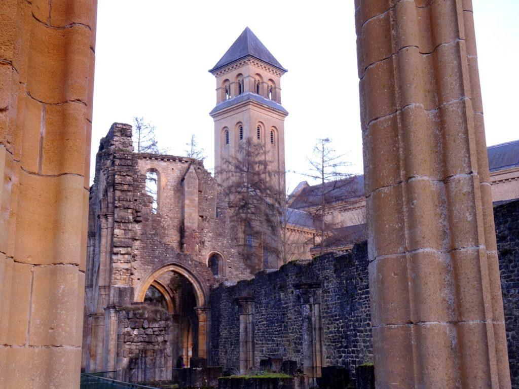 Promenade en province du Luxembourg, en Belgique, pour visiter l'abbaye d'Orval