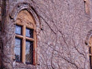 Jolie fenêtre à l'abbaye d'Orval