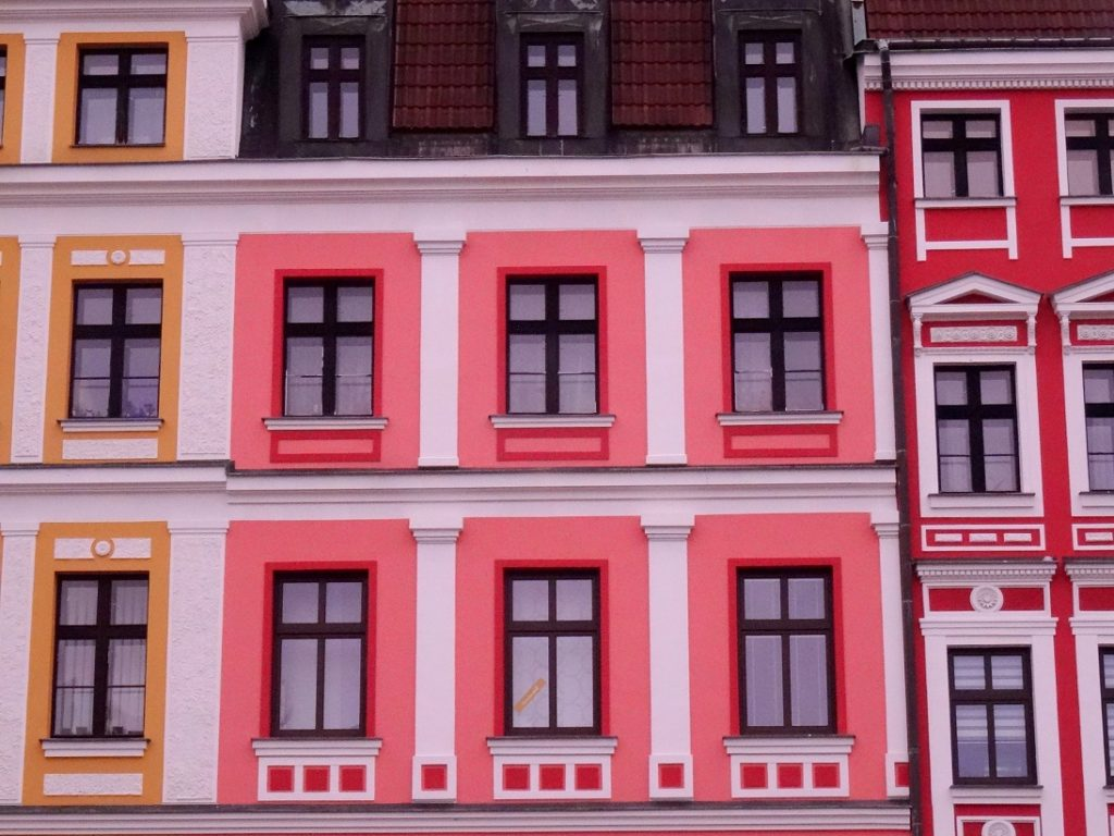 Jolies façades colorées à Liberec en République Tchèque