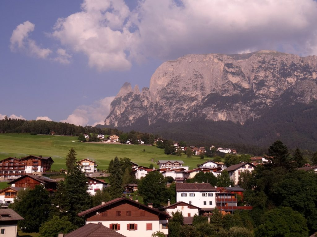 Chalets de Völs am Schlern et montagne Schlern
