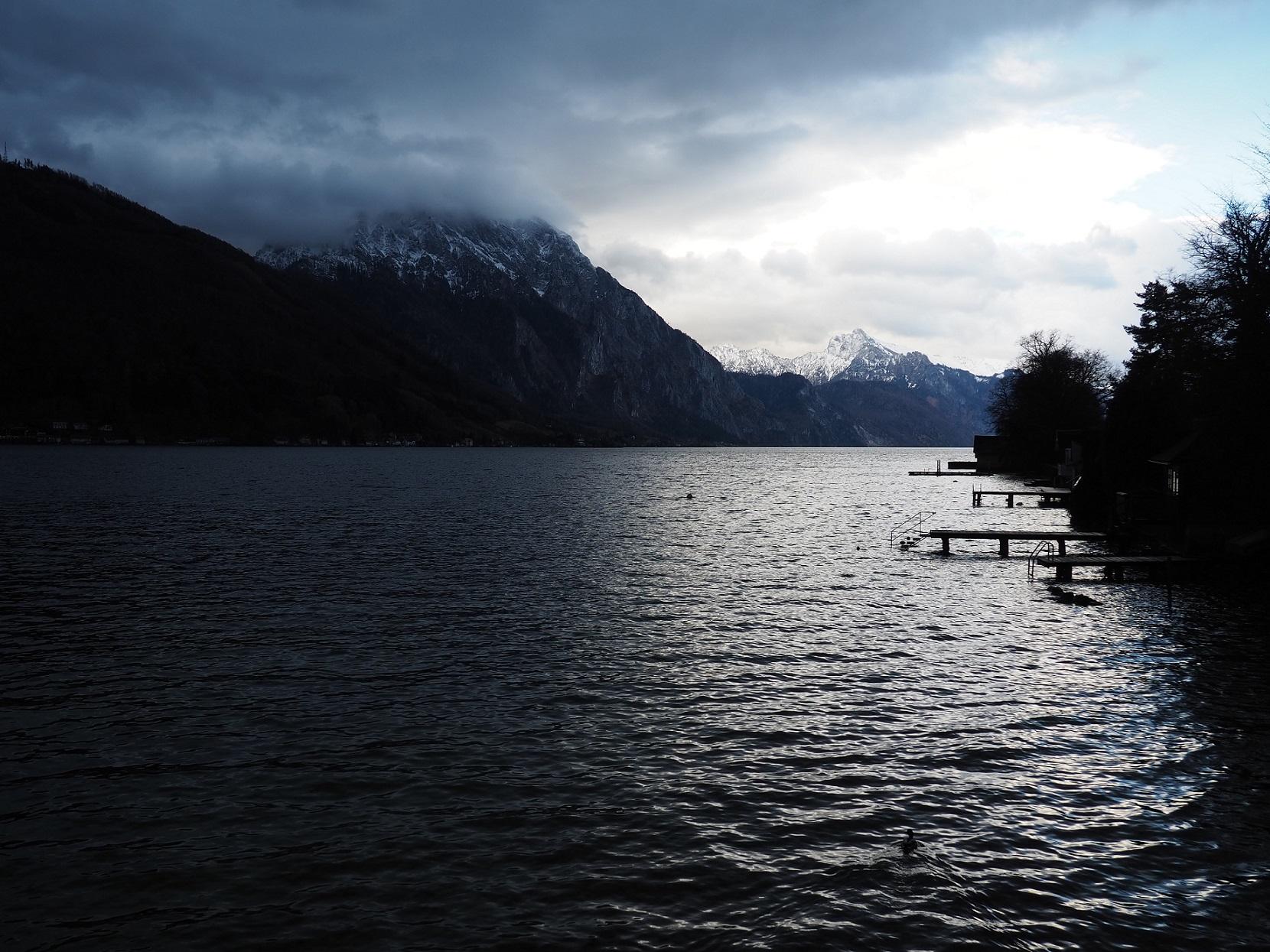 Coucher de soleil à Gmunden en Autriche