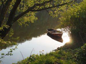 Coucher de soleil sur la rivière Savaza en République Tchèque