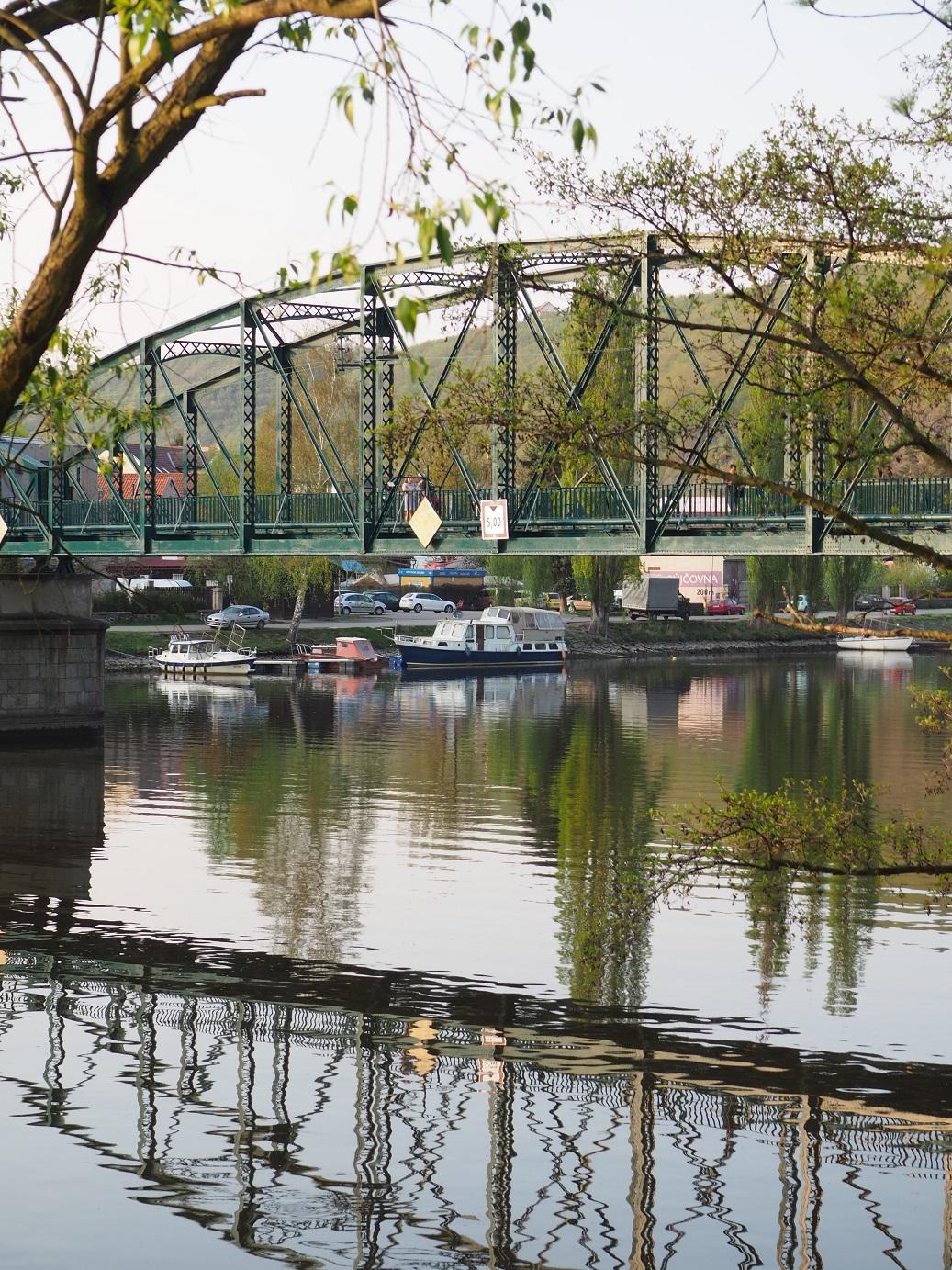 Le pont en fer de Davle en République Tchèque