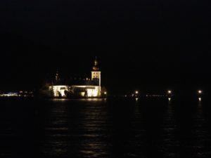 Seeschloss Ort à Gmunden de nuit
