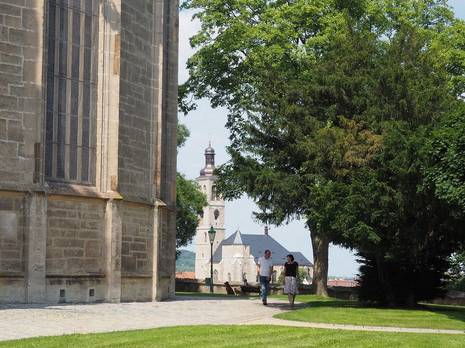 Vue depuis l'Église Sainte-Barbe de Kutná Hora