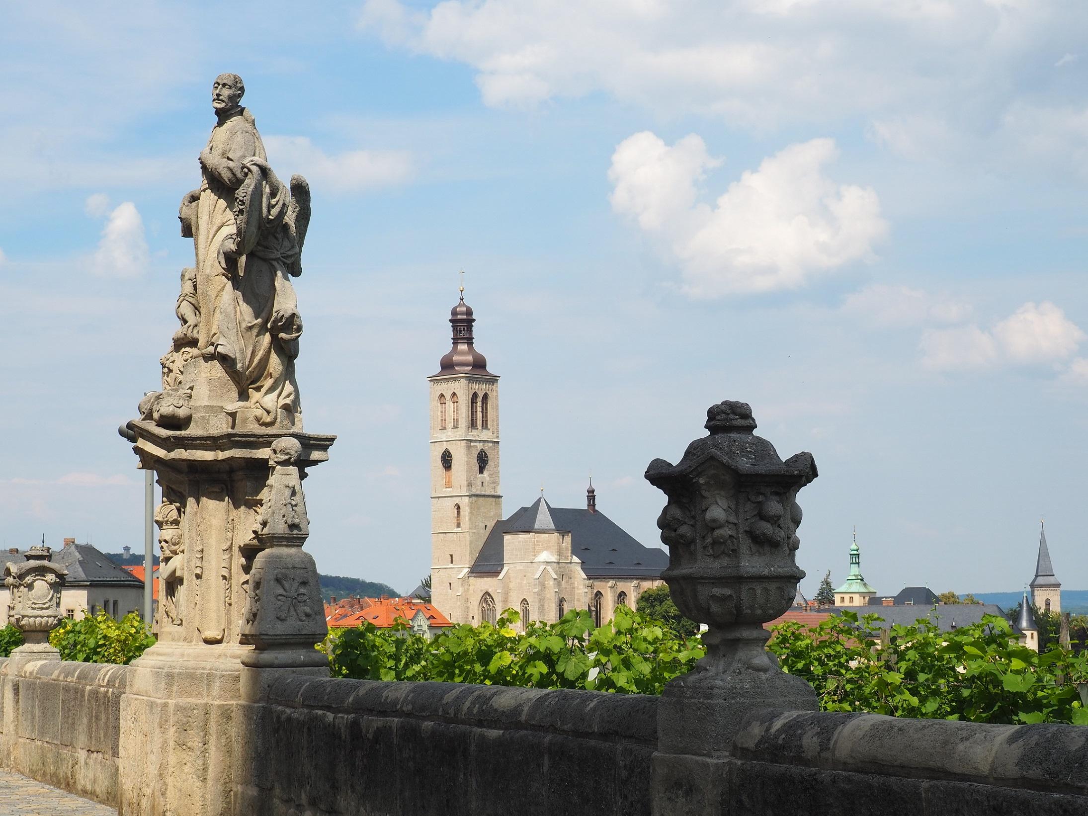 Le collègue jésuite et ses statues