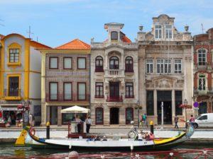 Aveiro au Portugal et ses façades colorées - Aveiro Portugal