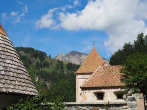 Le château (privé) de Fischburg à Selva di Val Gardena
