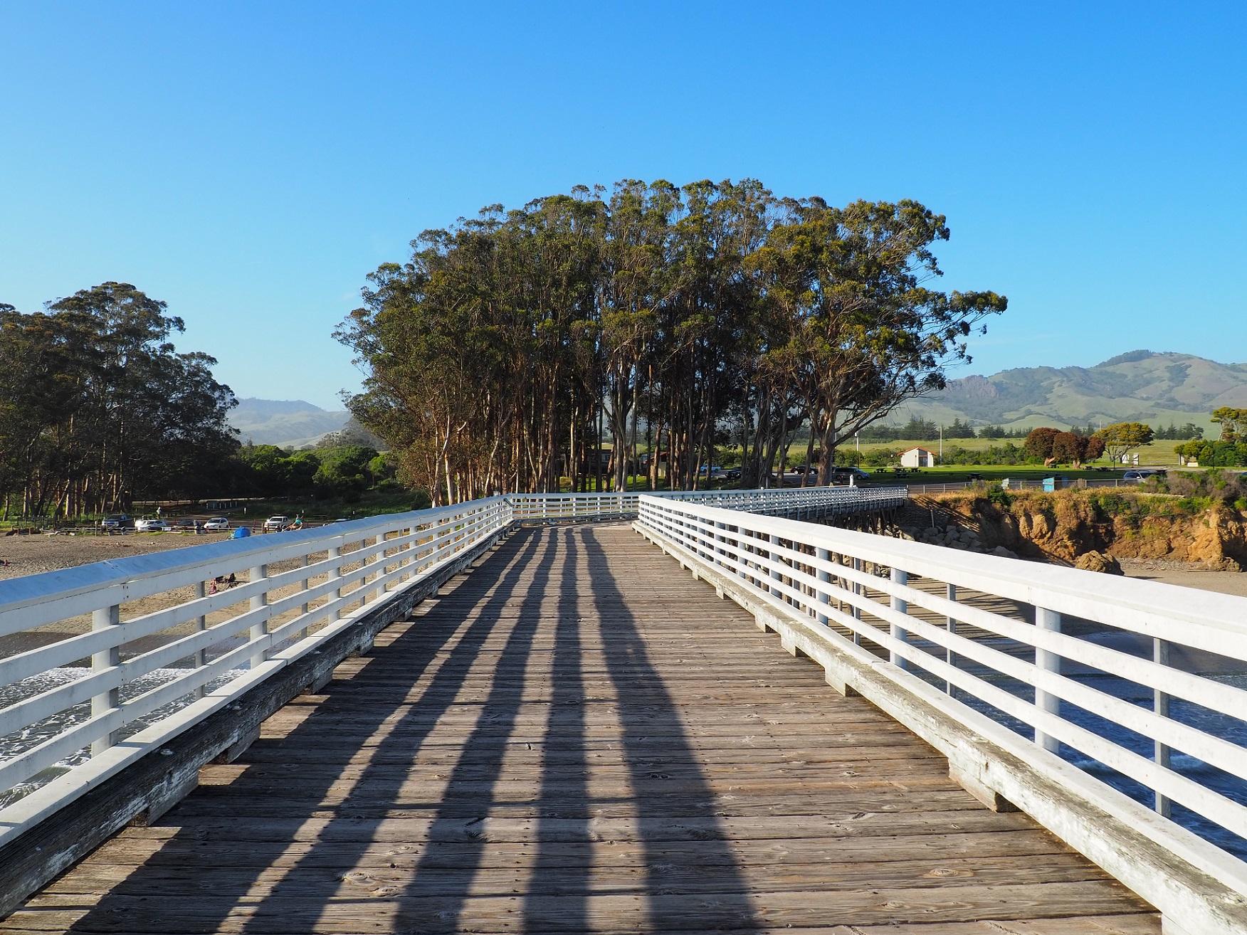 San Simeon pier et sa plage sur la highway one en Californie