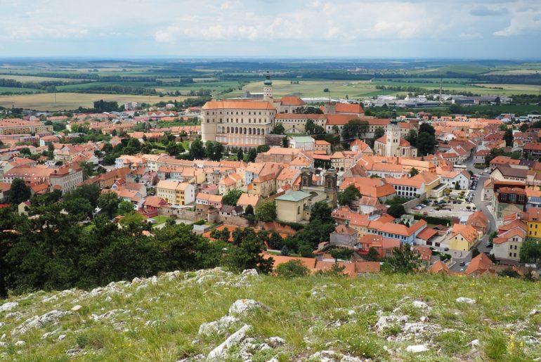 Visiter Mikulov et Moravie en République Tchèque: vue sur le château